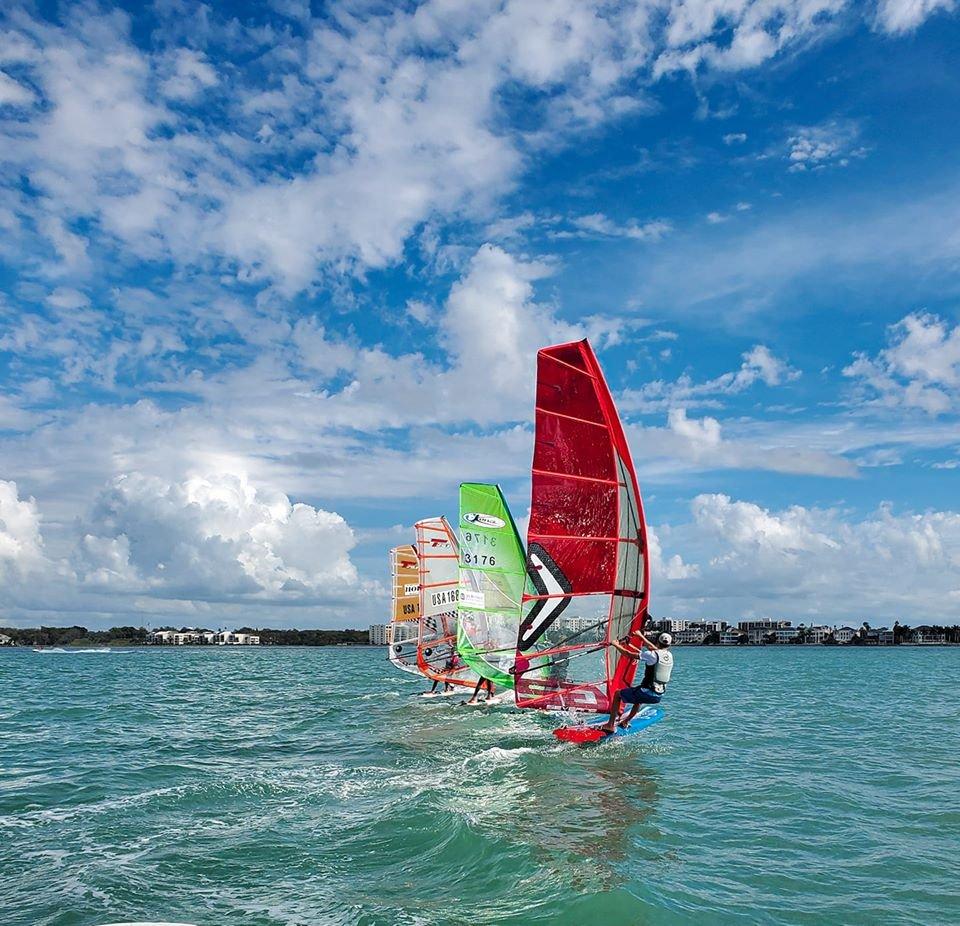 windsurf race