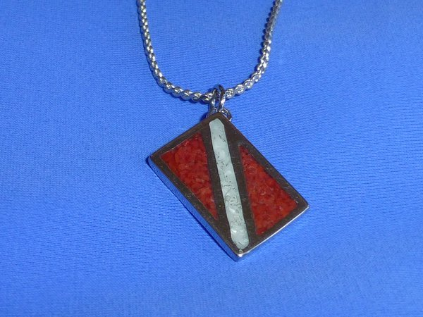 Dive Flag Pendant w/chain