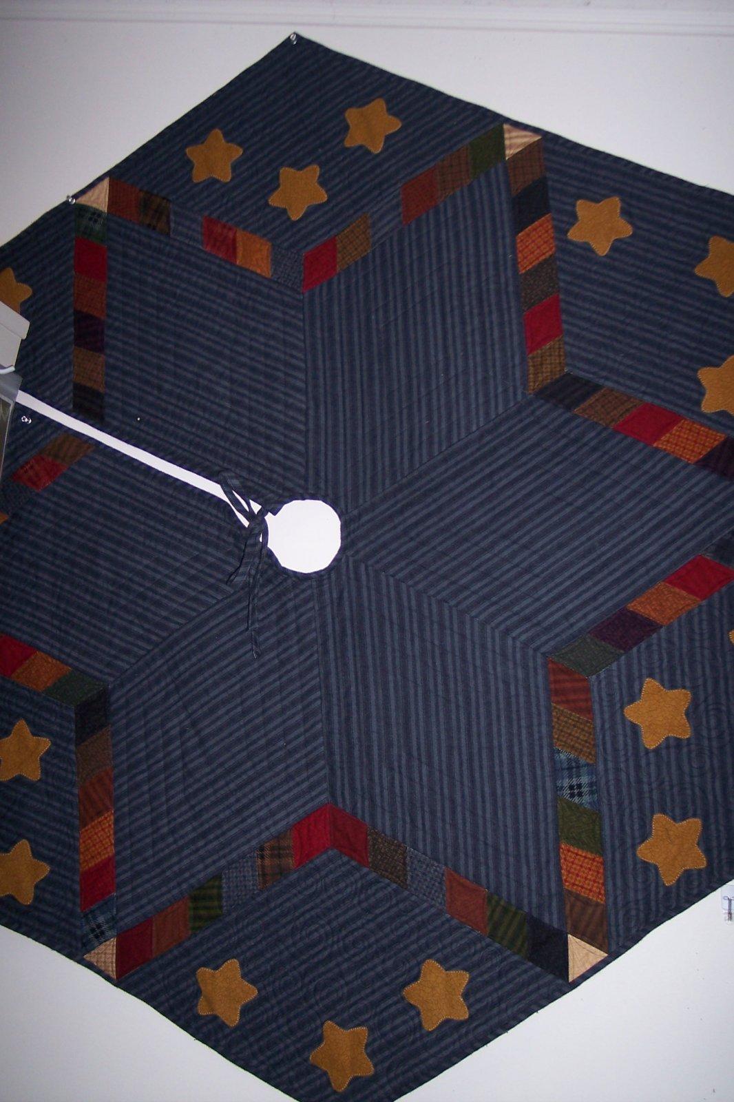 Star Tree Skirt - Flannel