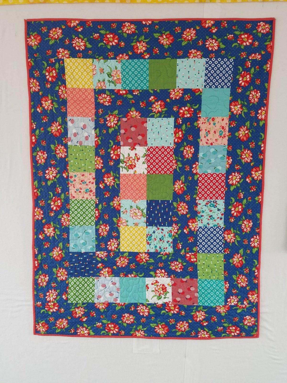 Daybreak Floral Quilt 39x52