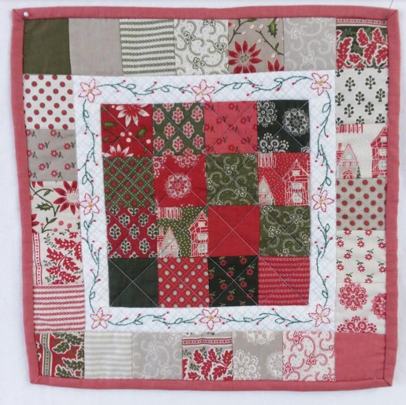 Christmas table mat kit 14.5 square