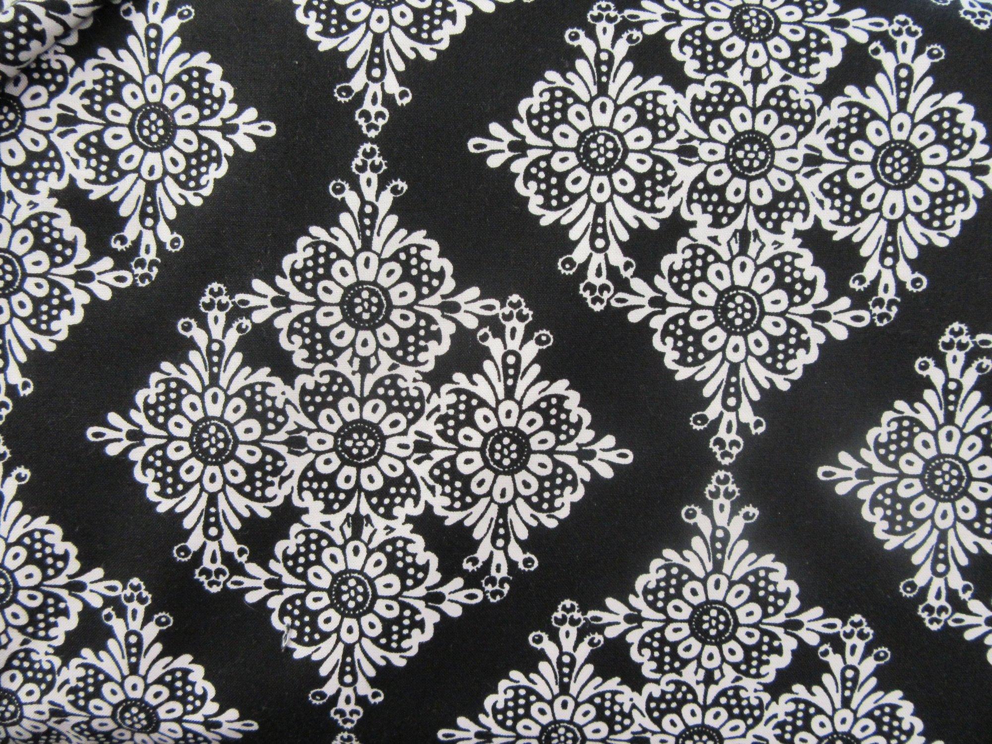 Michael Miller Fabrics Linda Lace CX5276-BLAC-D