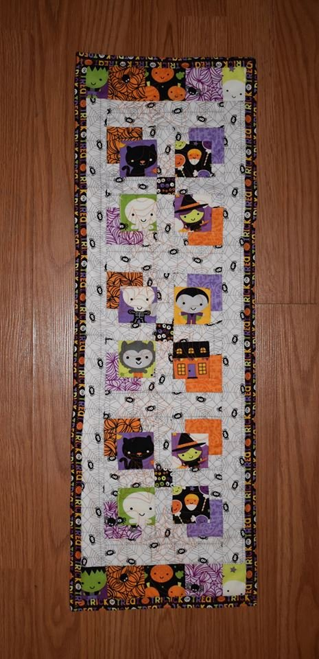 Ghouls & Goodies Mini Charmer Quilt Kit