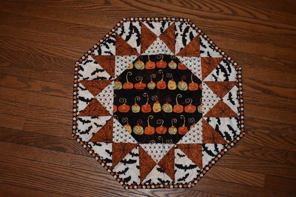 Halloween Sunburst Table Topper Kit