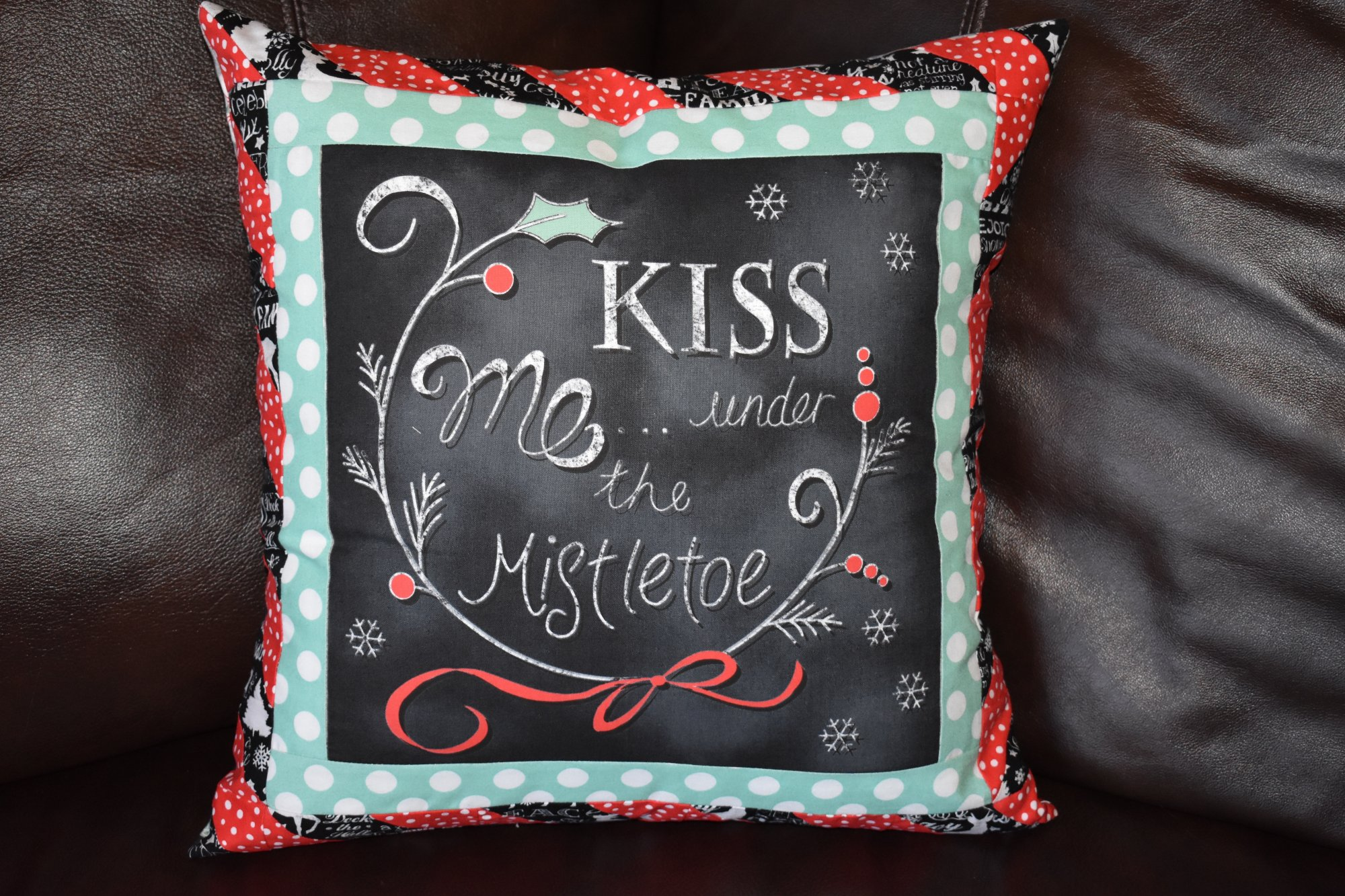 Mistletoe Pillow Slip Cover Kit