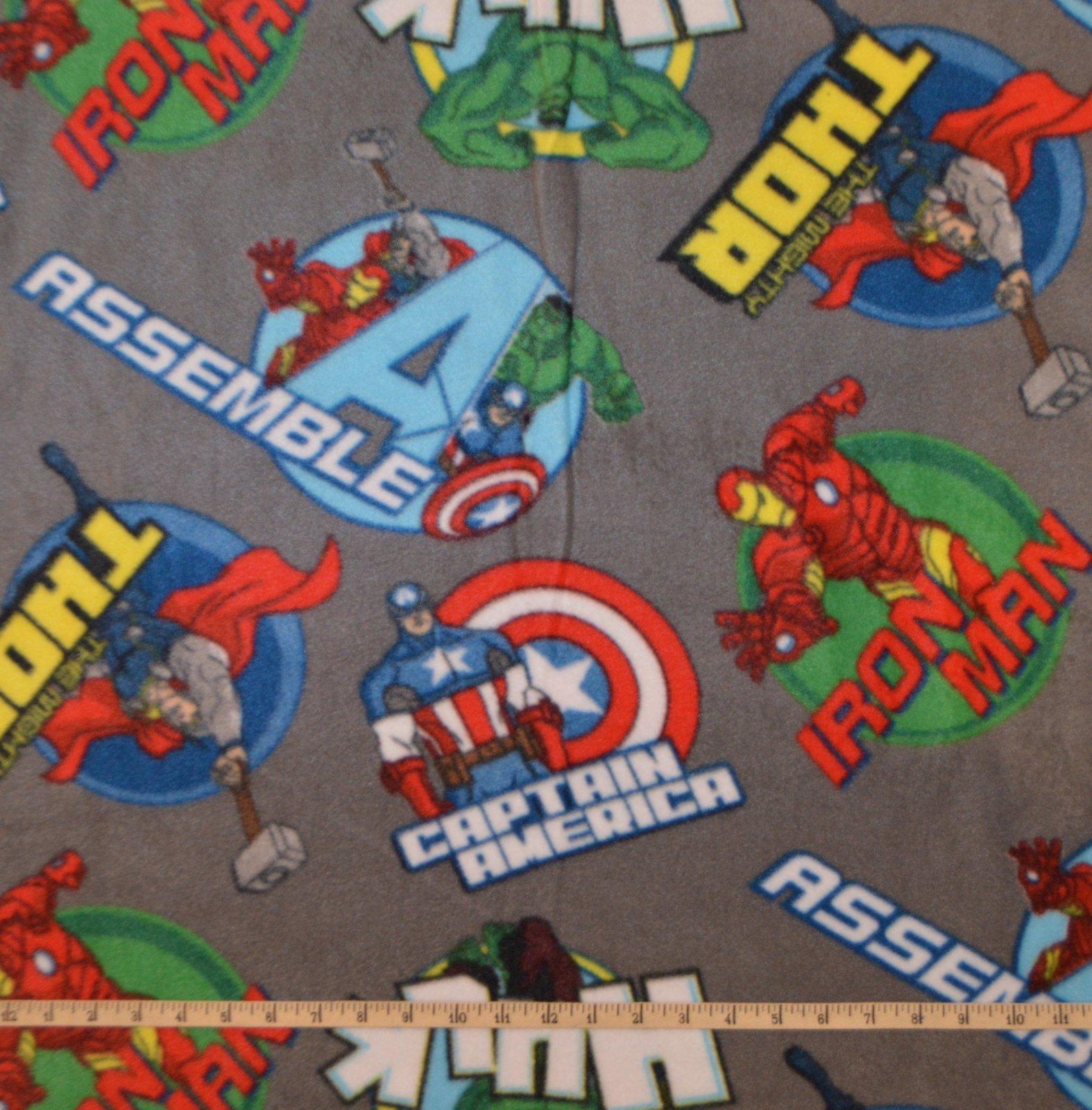 Avengers Round Badge FLEECE