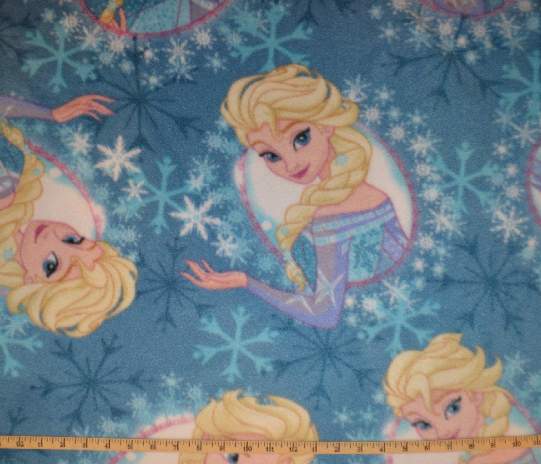 Framed Elsa Toss Fleece