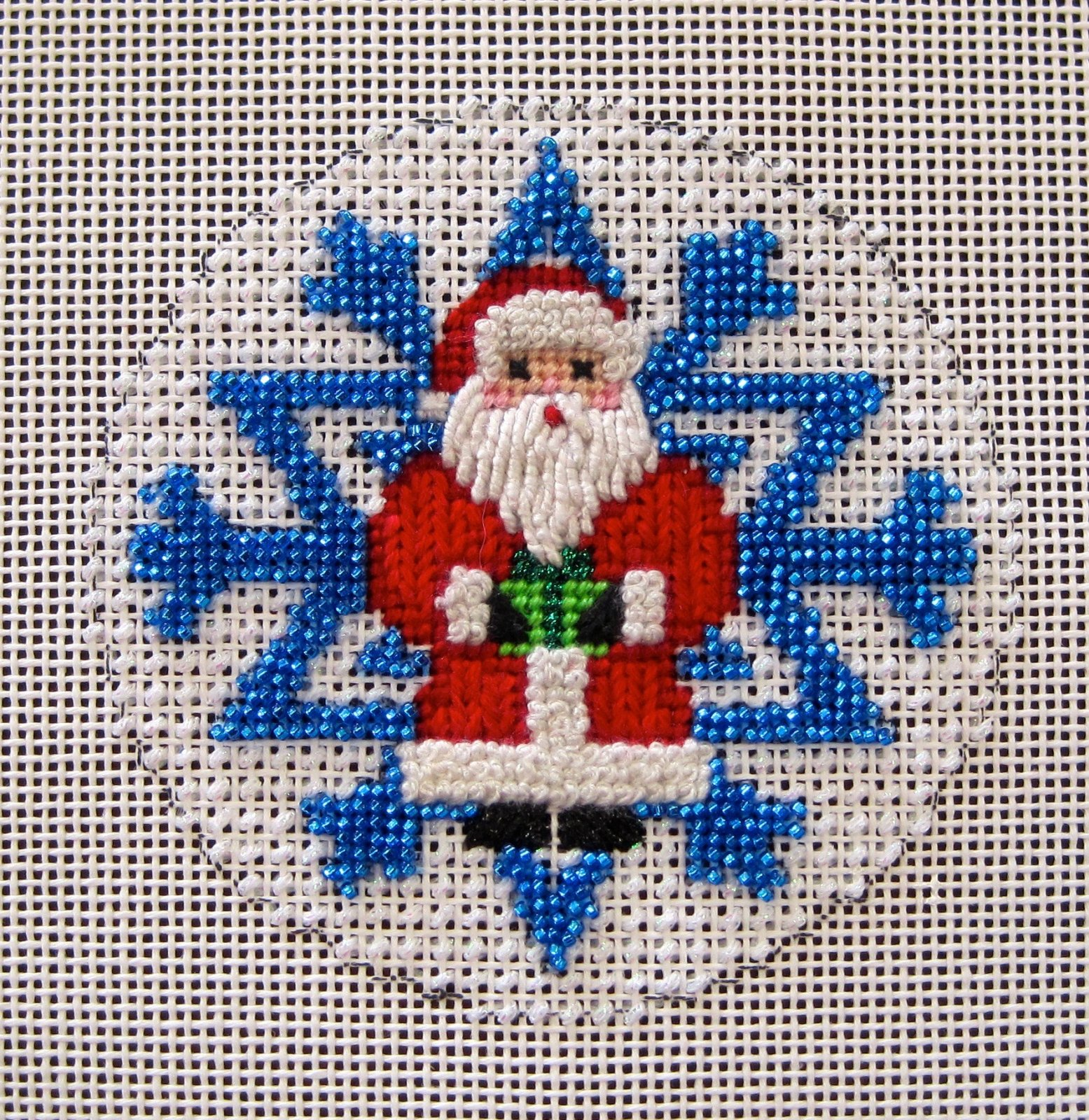 Santa Beaded Snowflake Stitch Guide