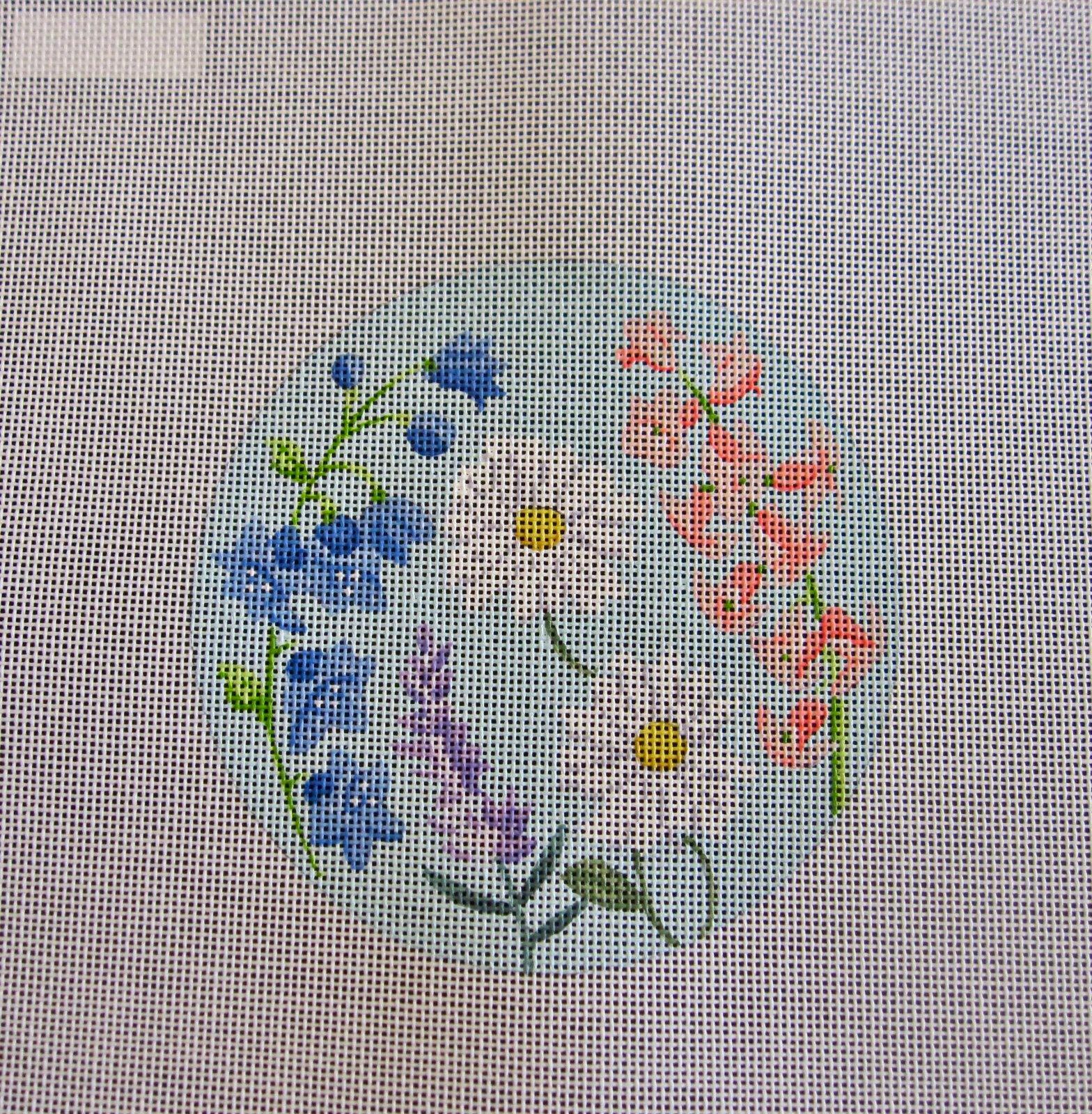 English Garden Round with Daisies