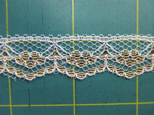 1/2 Golden Flat Lace (30454)
