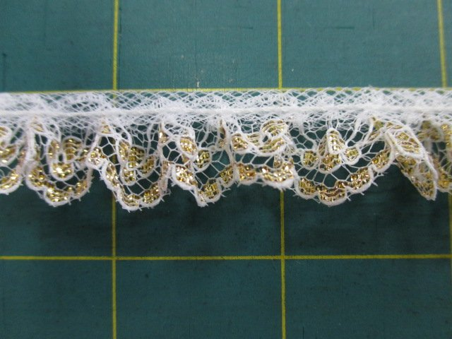 1/2 Golden Ruffled Lace (30455)