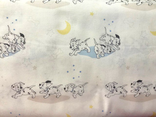 101 Dalmations - Running by Camelot Fabrics (85010104-01)