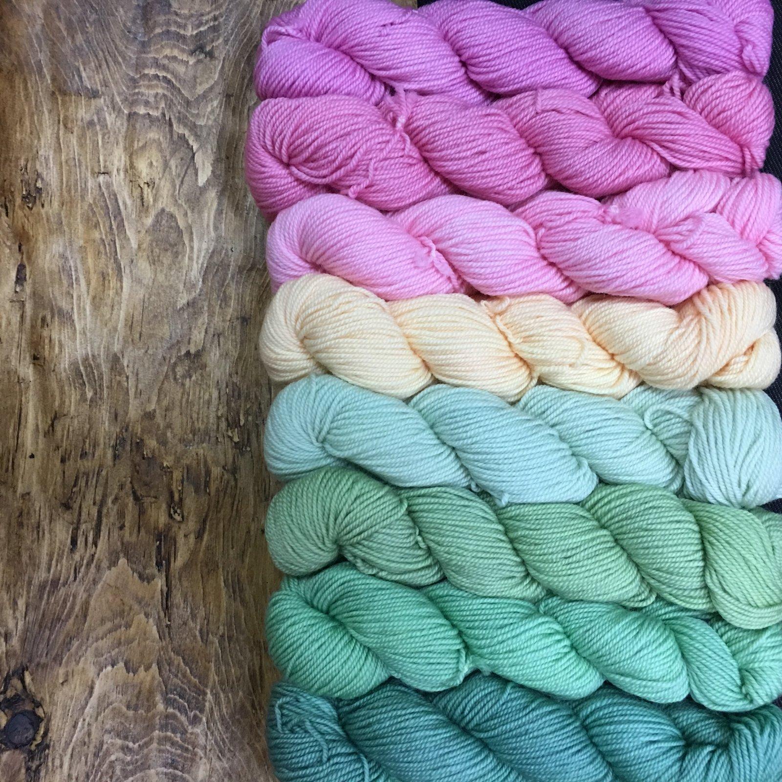 Frabjous Fibers 8 Packs of Color Mary Ann