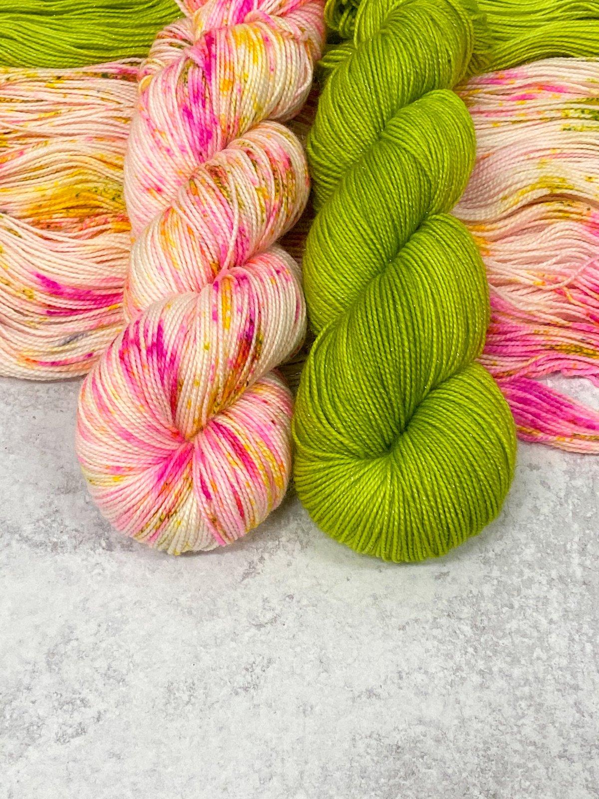 Casapinka Inspired Kits - Totally Rad Yarn
