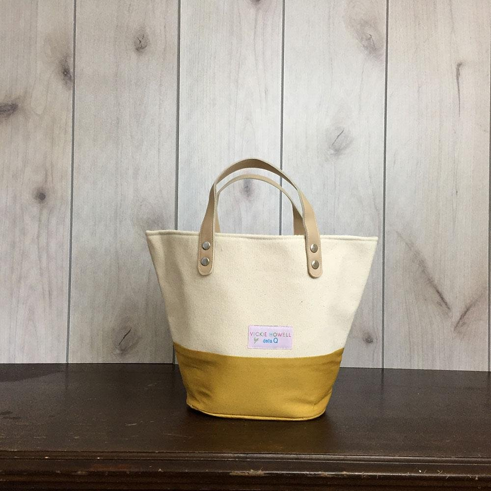 Vicki Howell for Della Q Market Bag