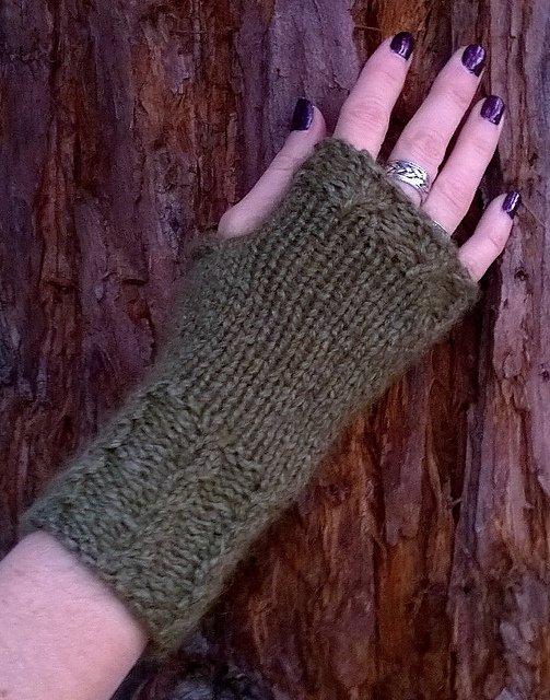 Mailles Gloves Pattern
