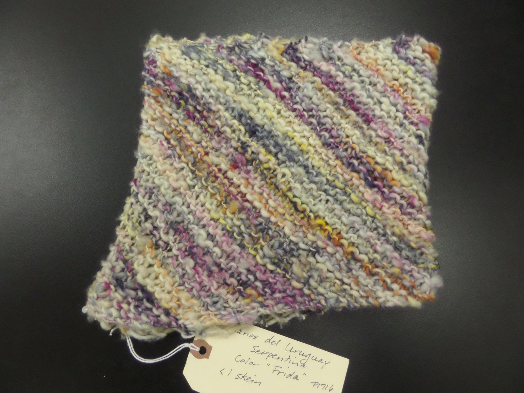 Flecha cowl model in Serpentina yarn from Manos del Uruguay