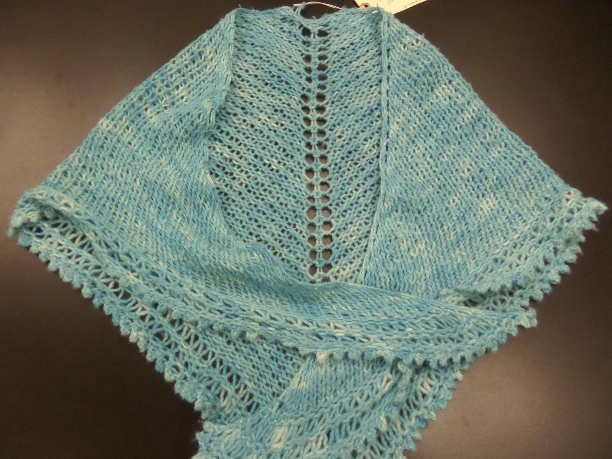 Sunehri shawl model in Maxima yarn from Manos del Uruguay