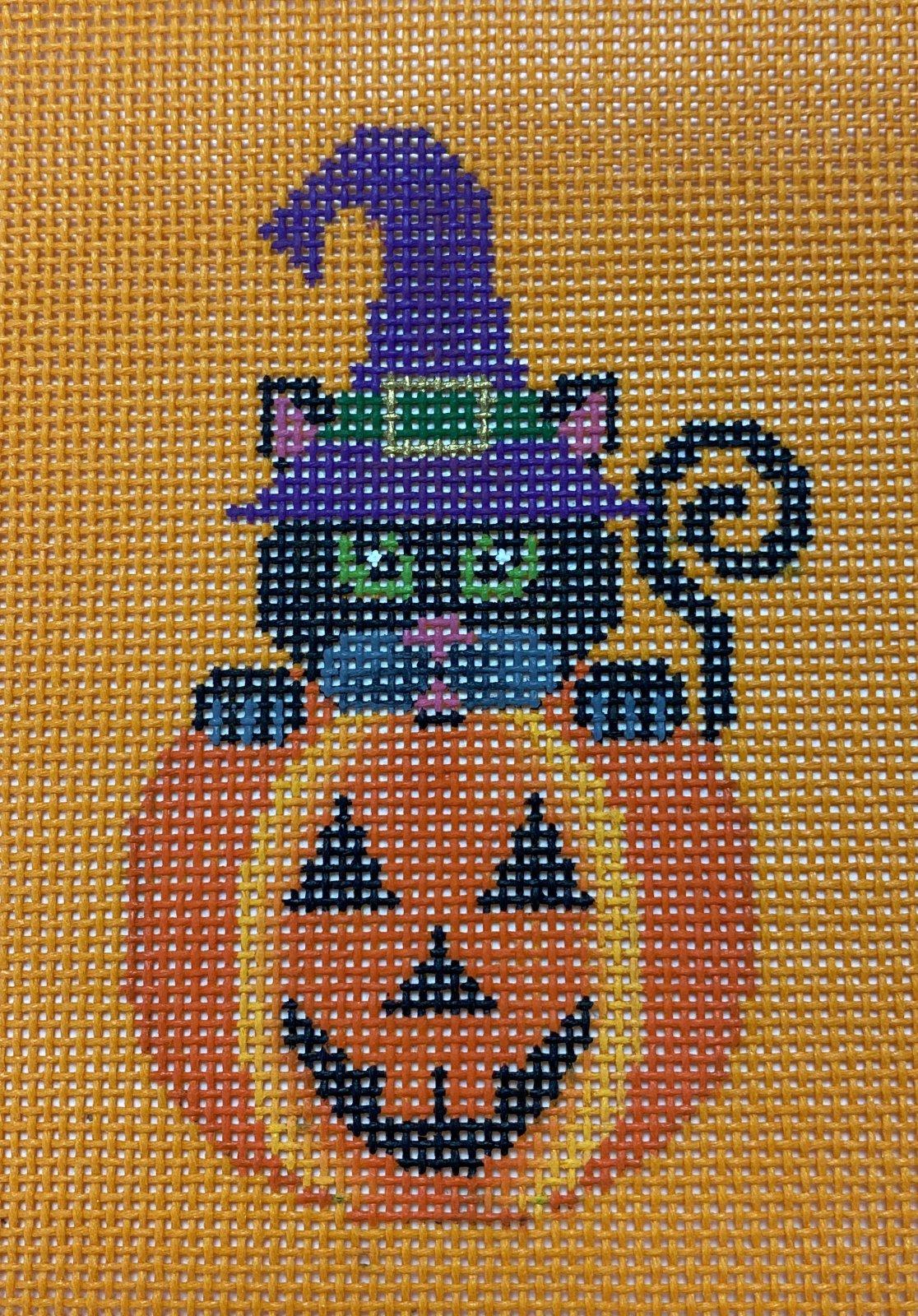Black Cat in Pumpkin,18 ct.,4.5