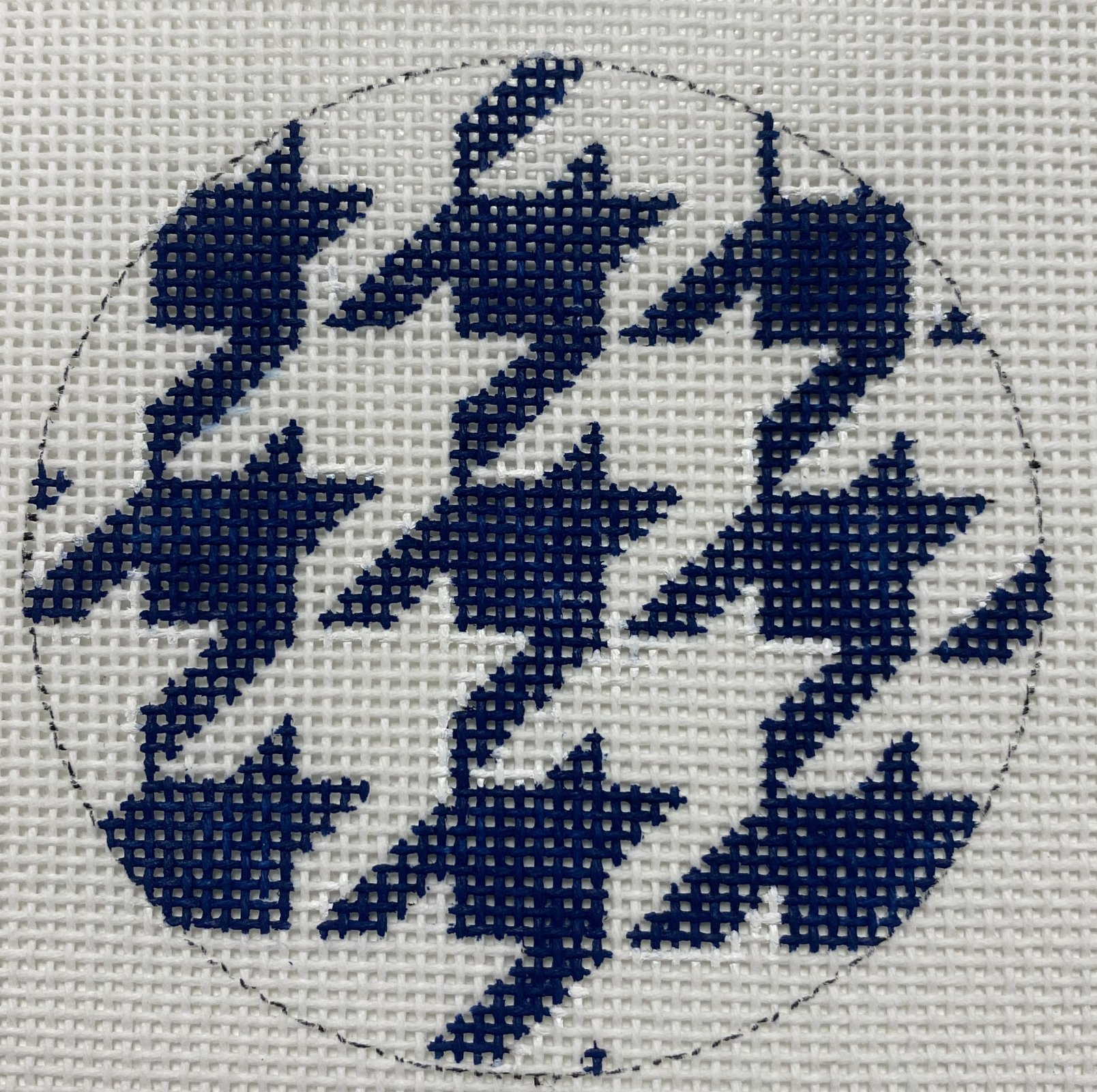 Blue and White Houndstooth,18 ct.,3