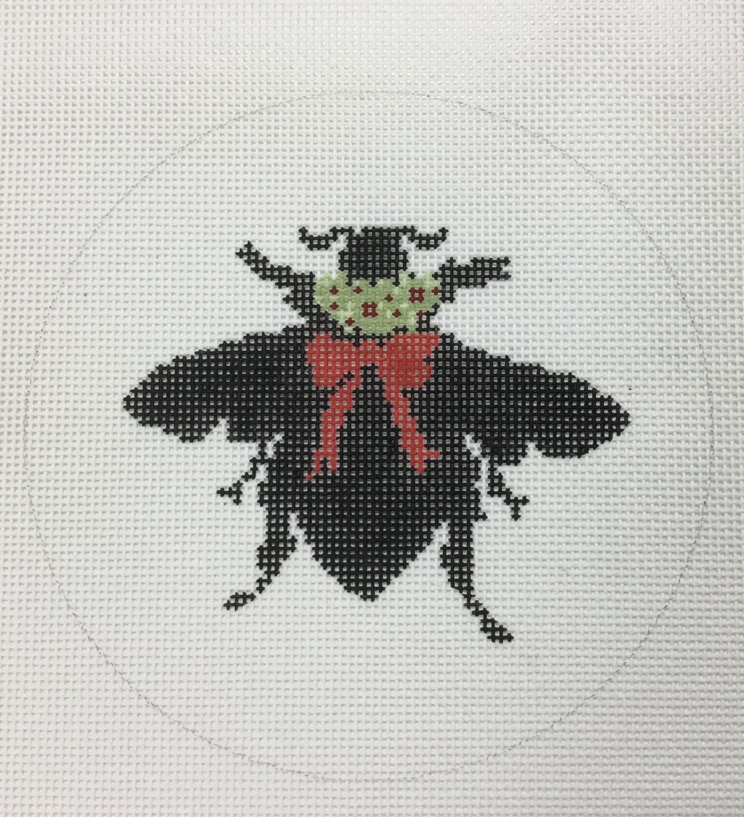 Bee Silhouette,18 ct.,5