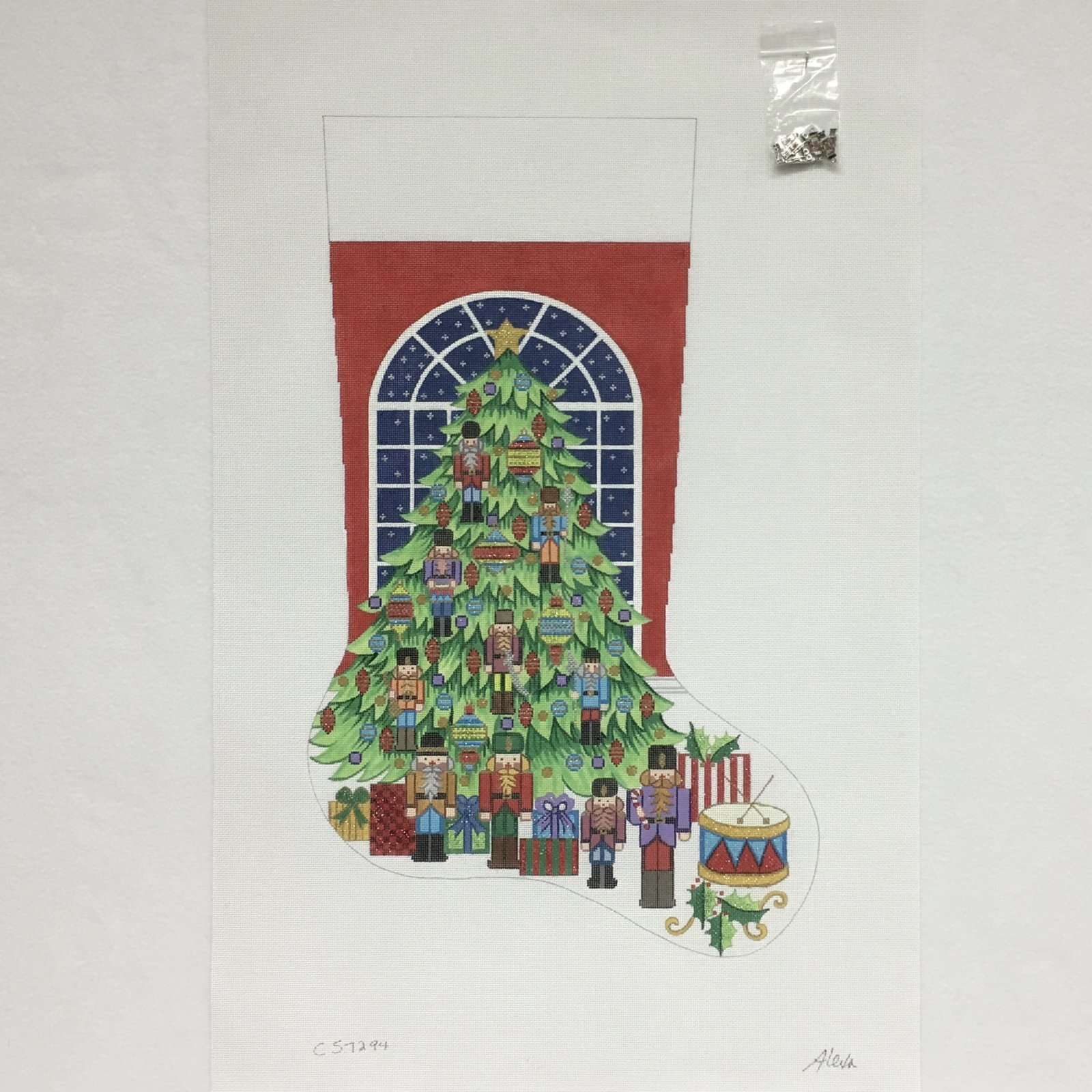 C CS7294 Tree with Nutcracker Ornaments Stocking