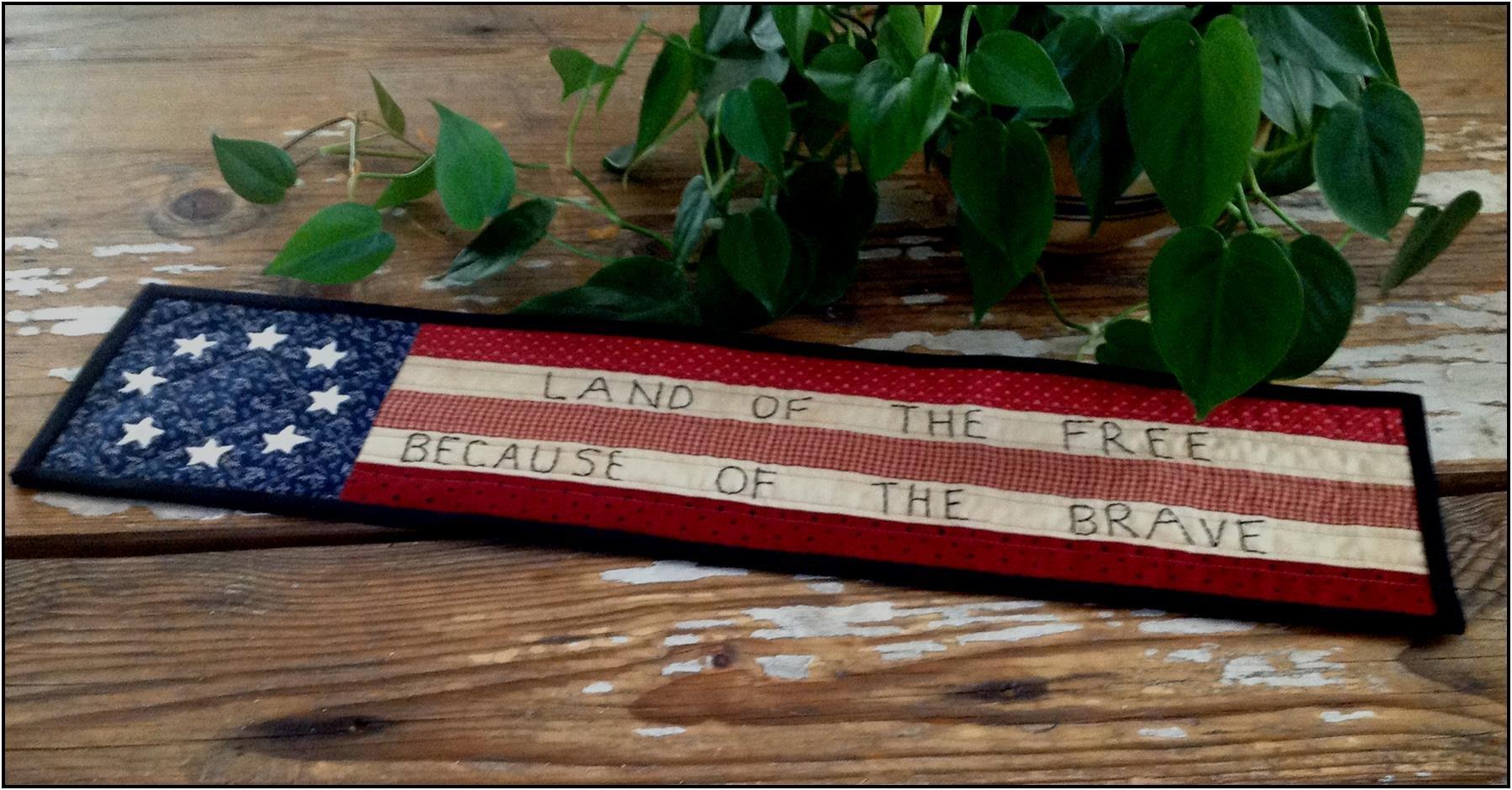 Freedom Flag Mini Runner
