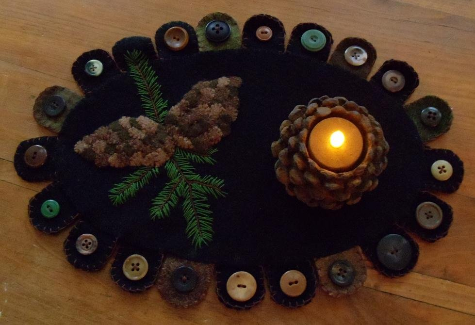 Pine Cone Candle Mat