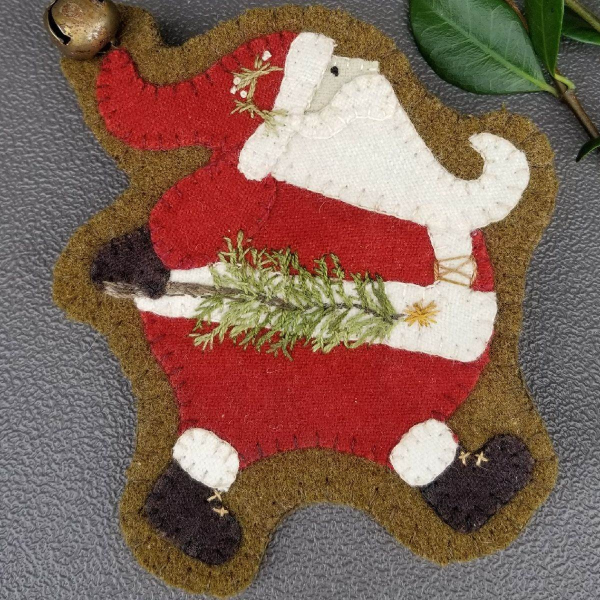 ORNAMENT RUNNING SANTA