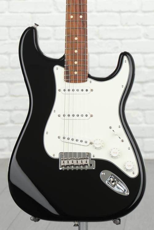 Fender Player Series Stratocaster Black w/ Pau Ferro