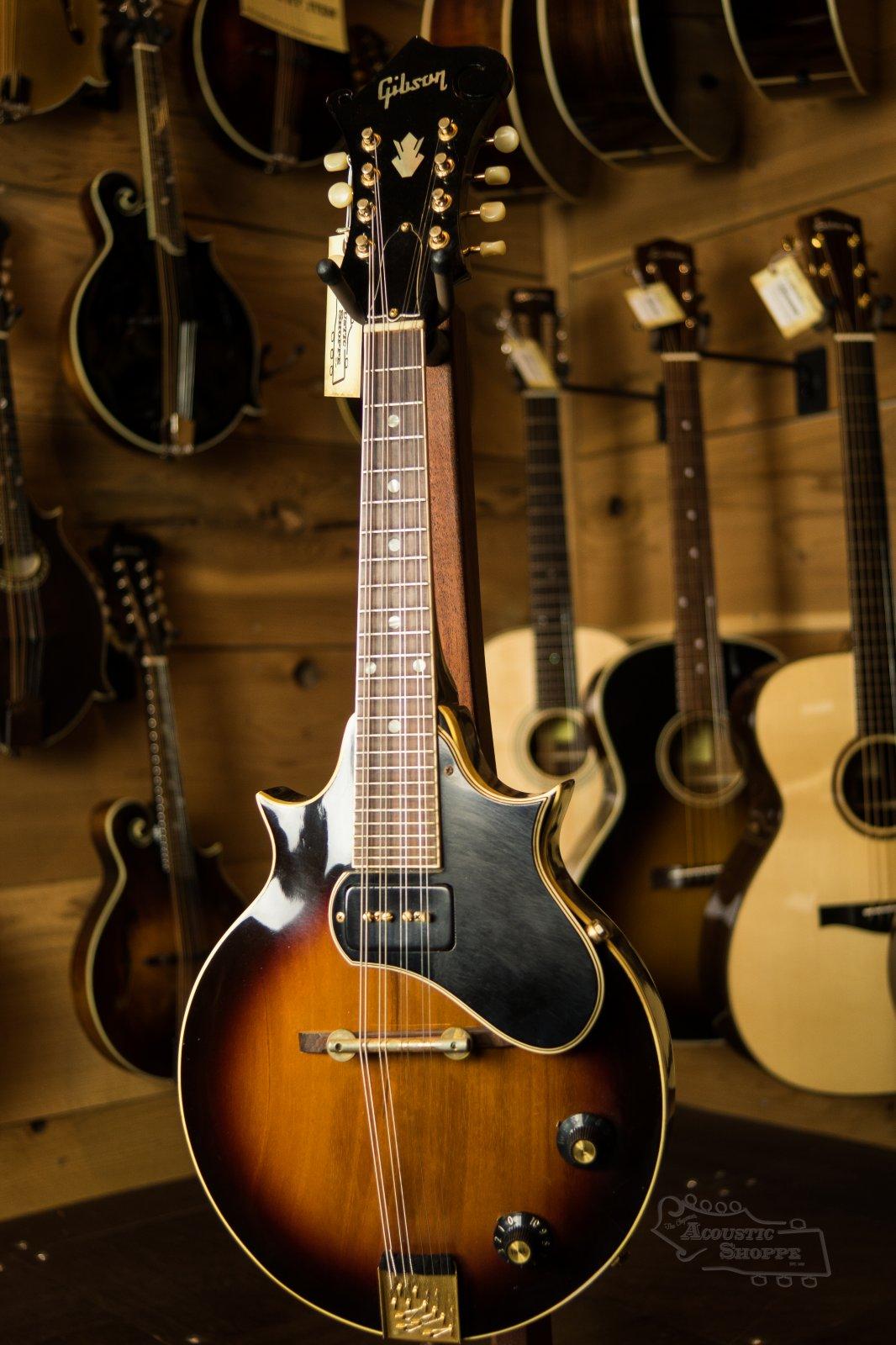 (Vintage) 1968 Gibson EM-200 Solid Body Electric Mandolin