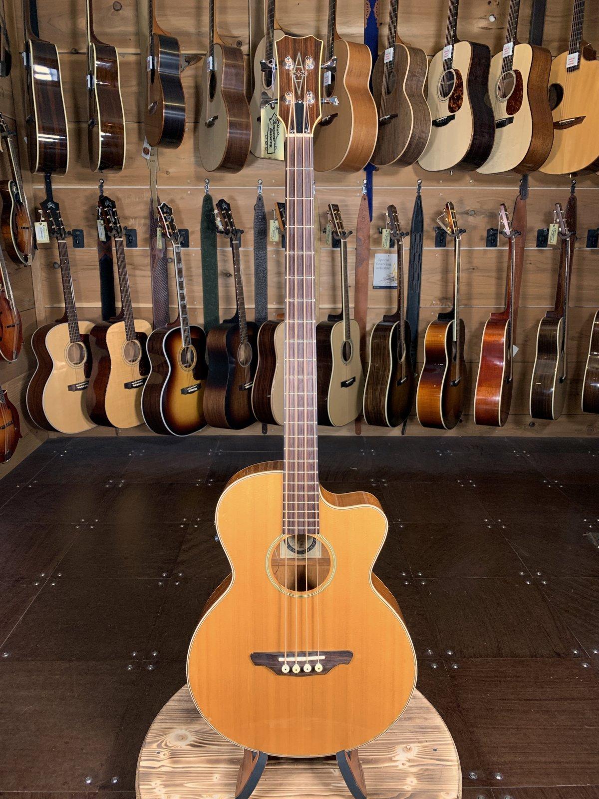 (Used) Alvarez Artist 4070 Acoustic Bass W/ Case