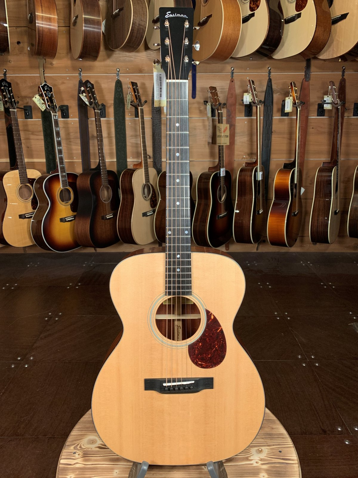 Eastman E1OM w/ Solid Sitka Top #5496