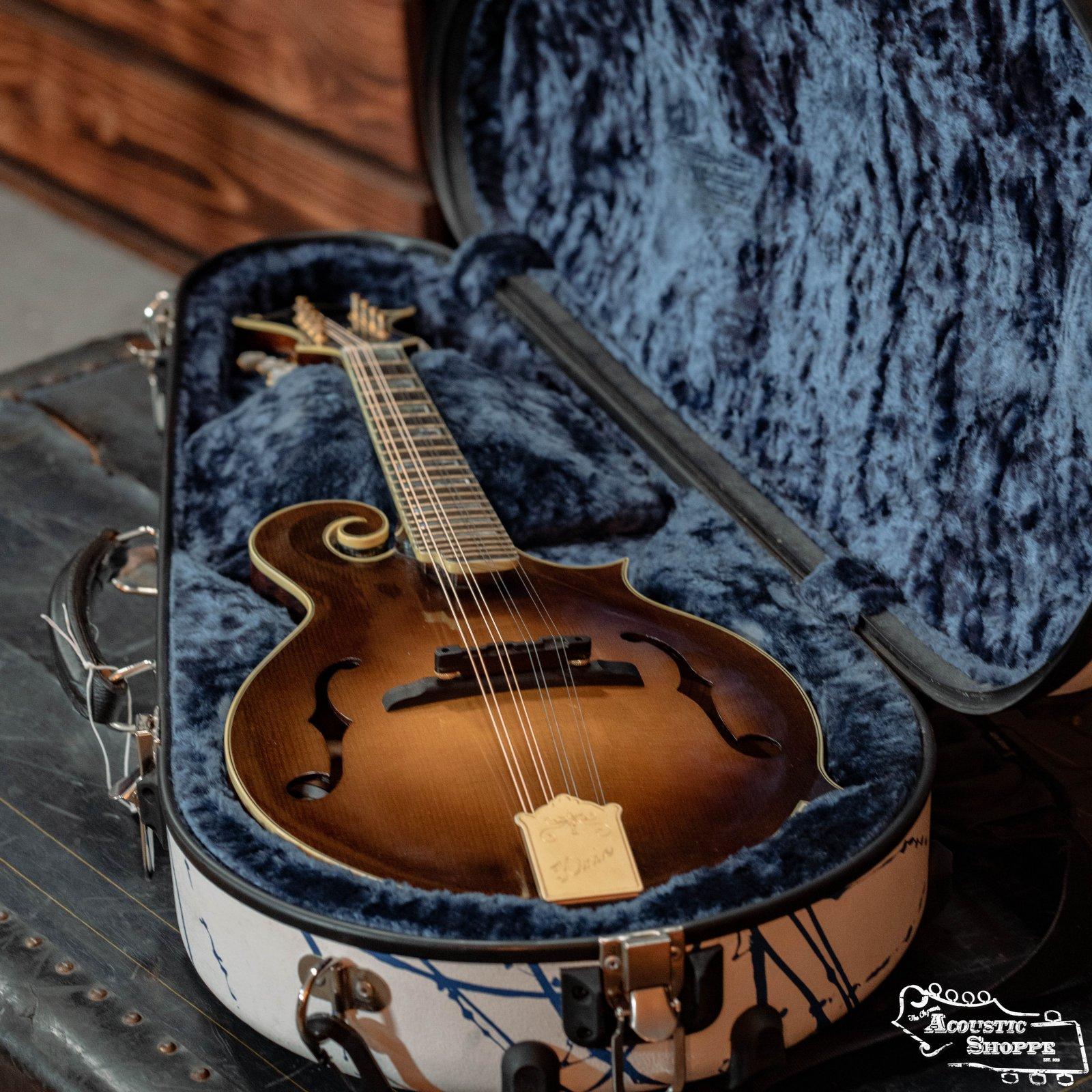 (Used) Calton White W/Blue Splatter F-Style Mandolin Case