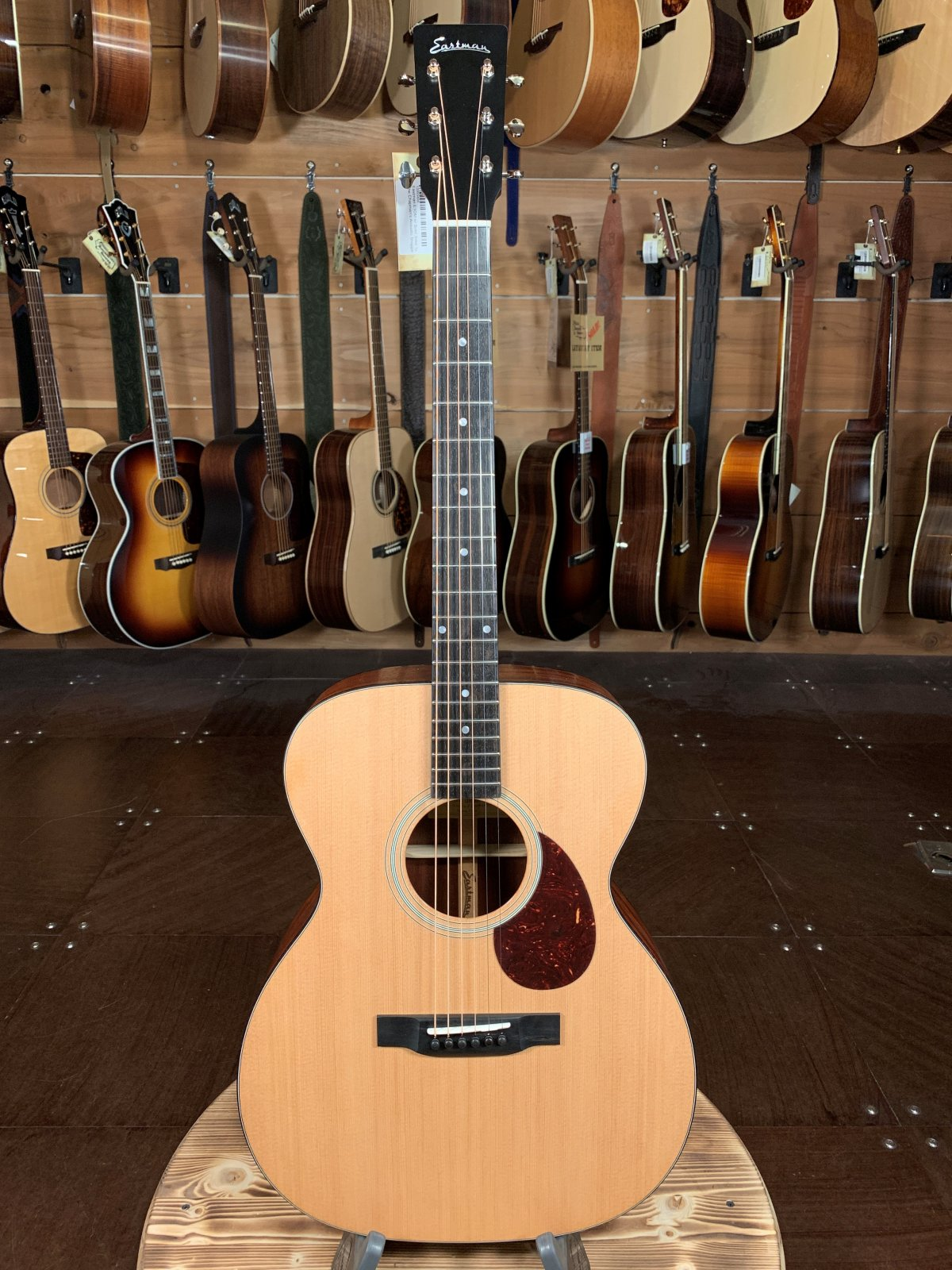 Eastman E1OM w/ Solid Sitka Top #5494