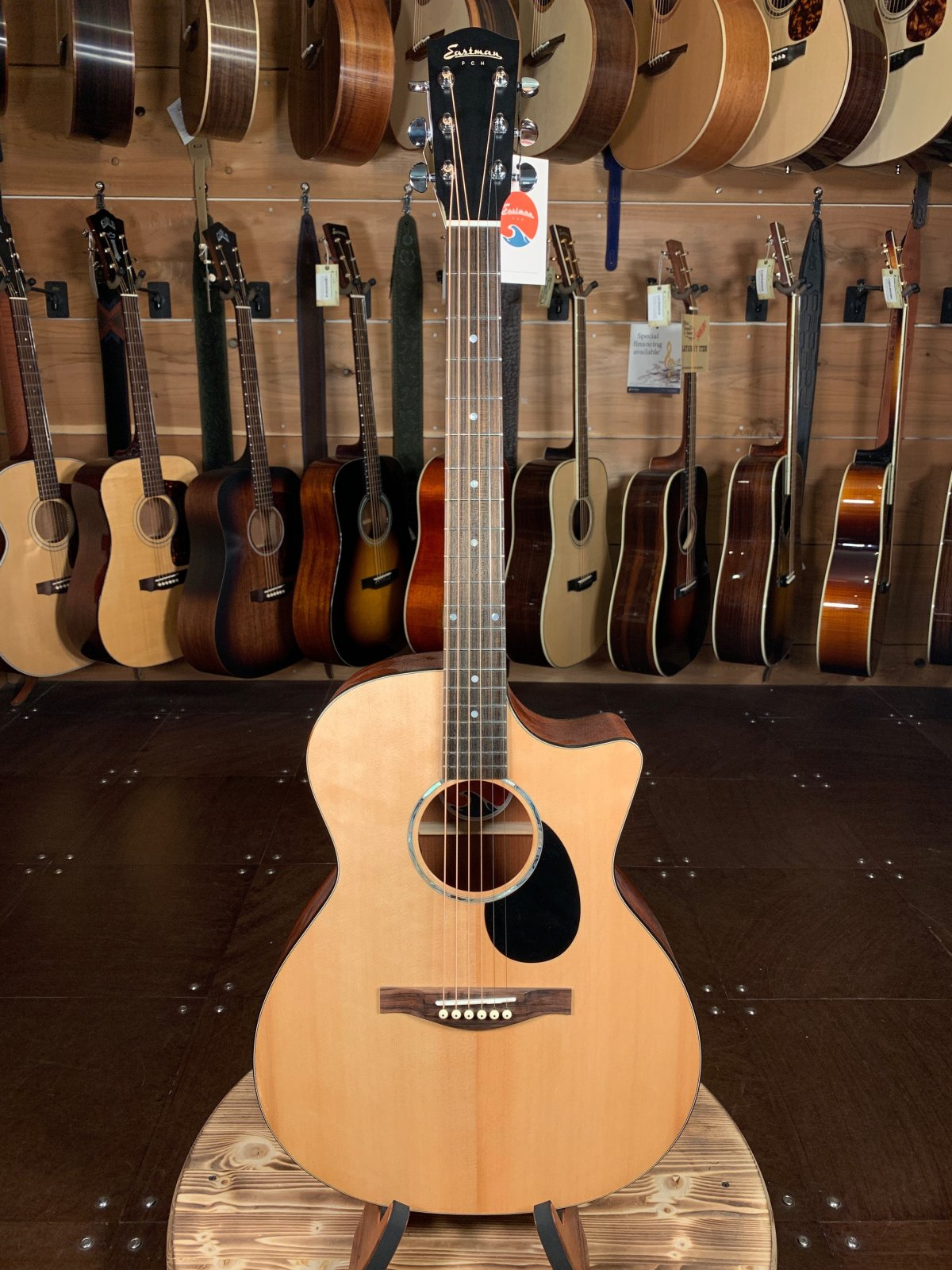 Eastman PCH1-GACE Solid Sitka Top Cutaway Acoustic/Electric #2080