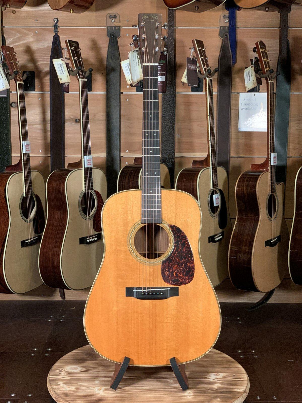 (Used) 2001 Martin HD-28V Vintage Acoustic Guitar #818134
