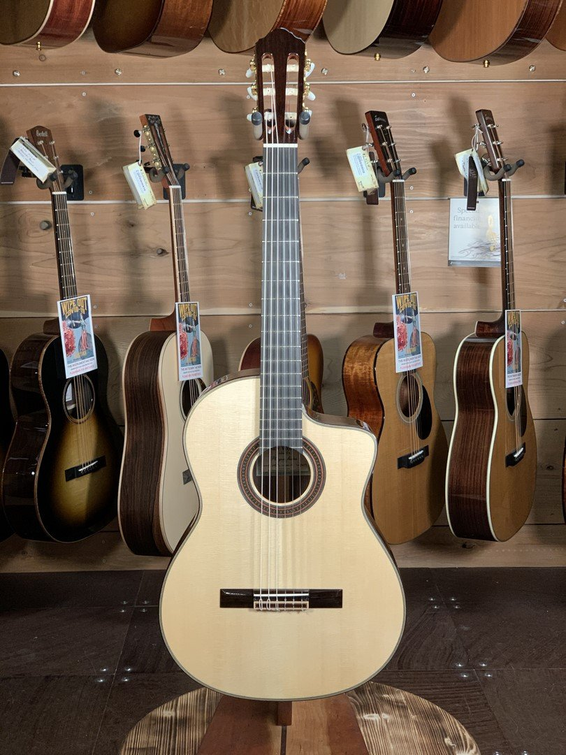 (Used) New World Player Series 640mm Spruce/Rosewood Classical Guitar w/Cutaway #2119