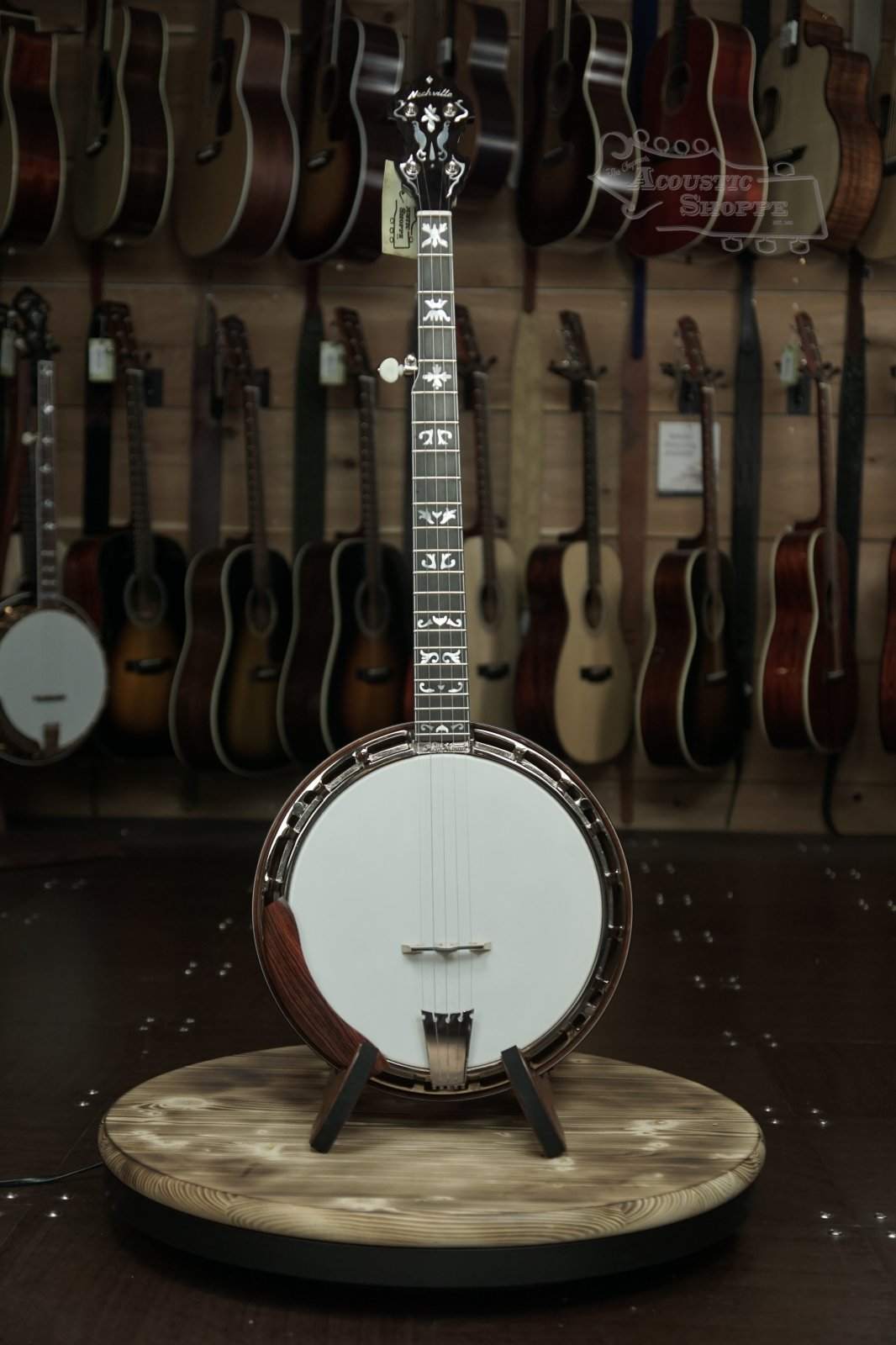 Nechville Vintage Flying Eagle Banjo #2407 (Mahogany)