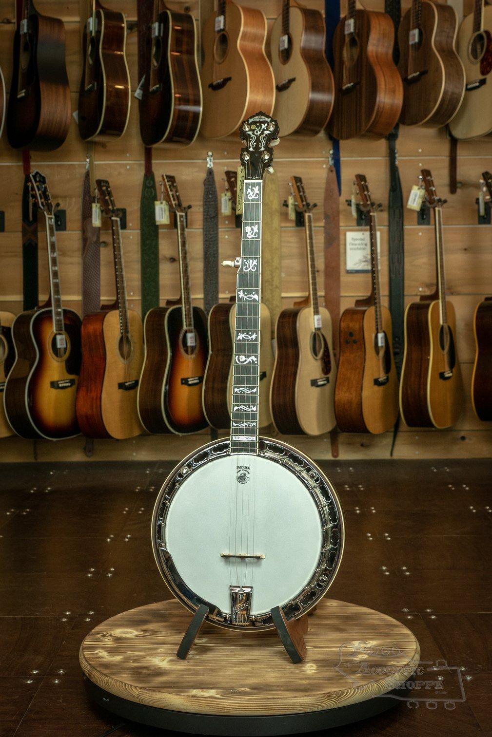 (Floor Model) Deering TENBROOKS SARATOGA STAR BANJO 5-String Banjo W/ 06 Tone Ring and FREE installed spikes