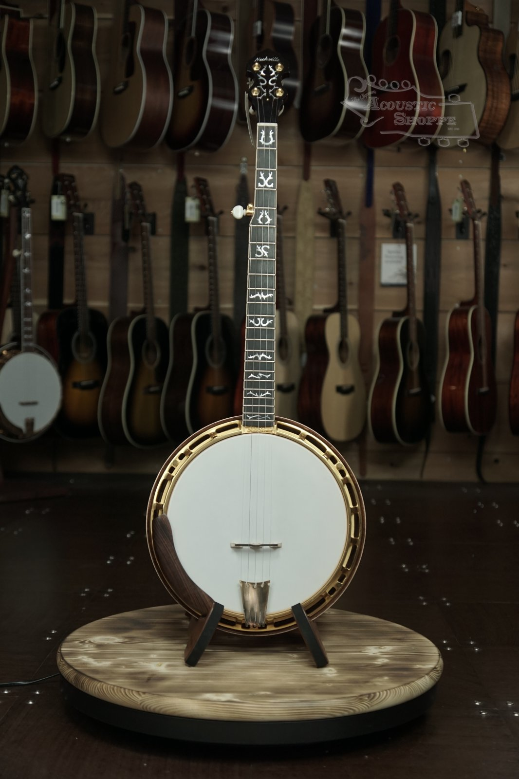 Nechville Gold Orion #2287 Curly Maple Resonator Banjo w/ Heli-Mount Frame and Antler Inlays