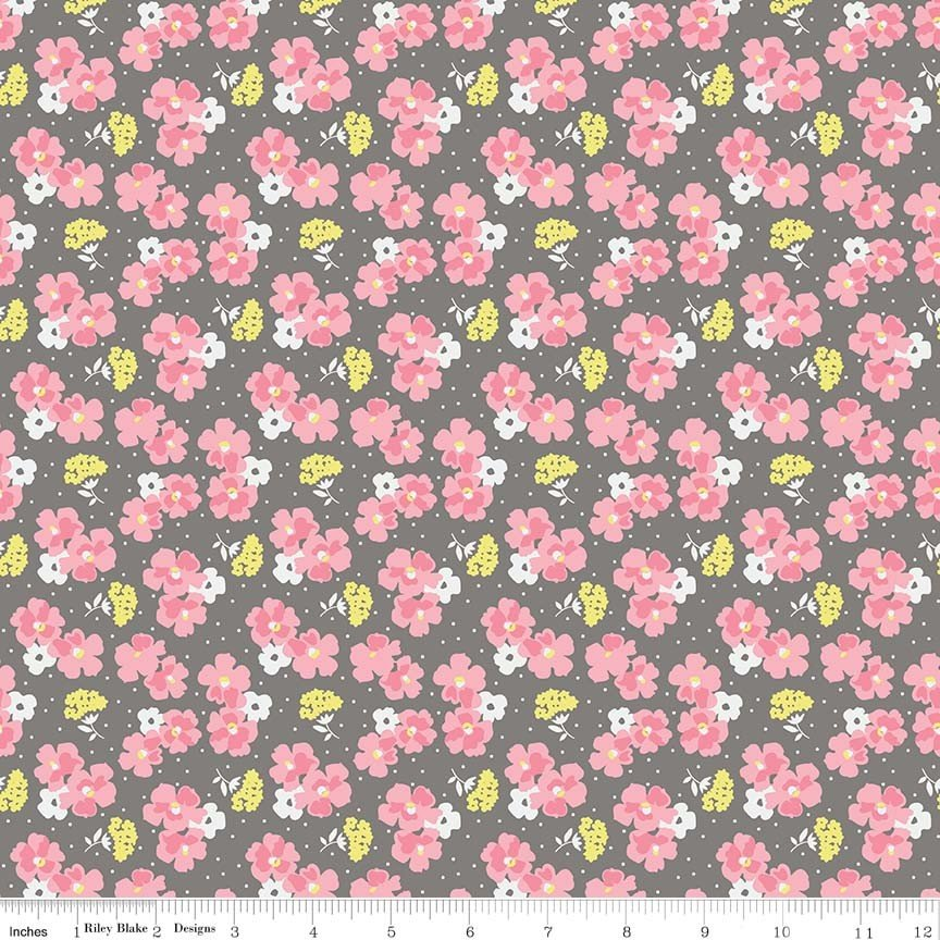 Paper Daisies C8884 Gray by Sue Daley+