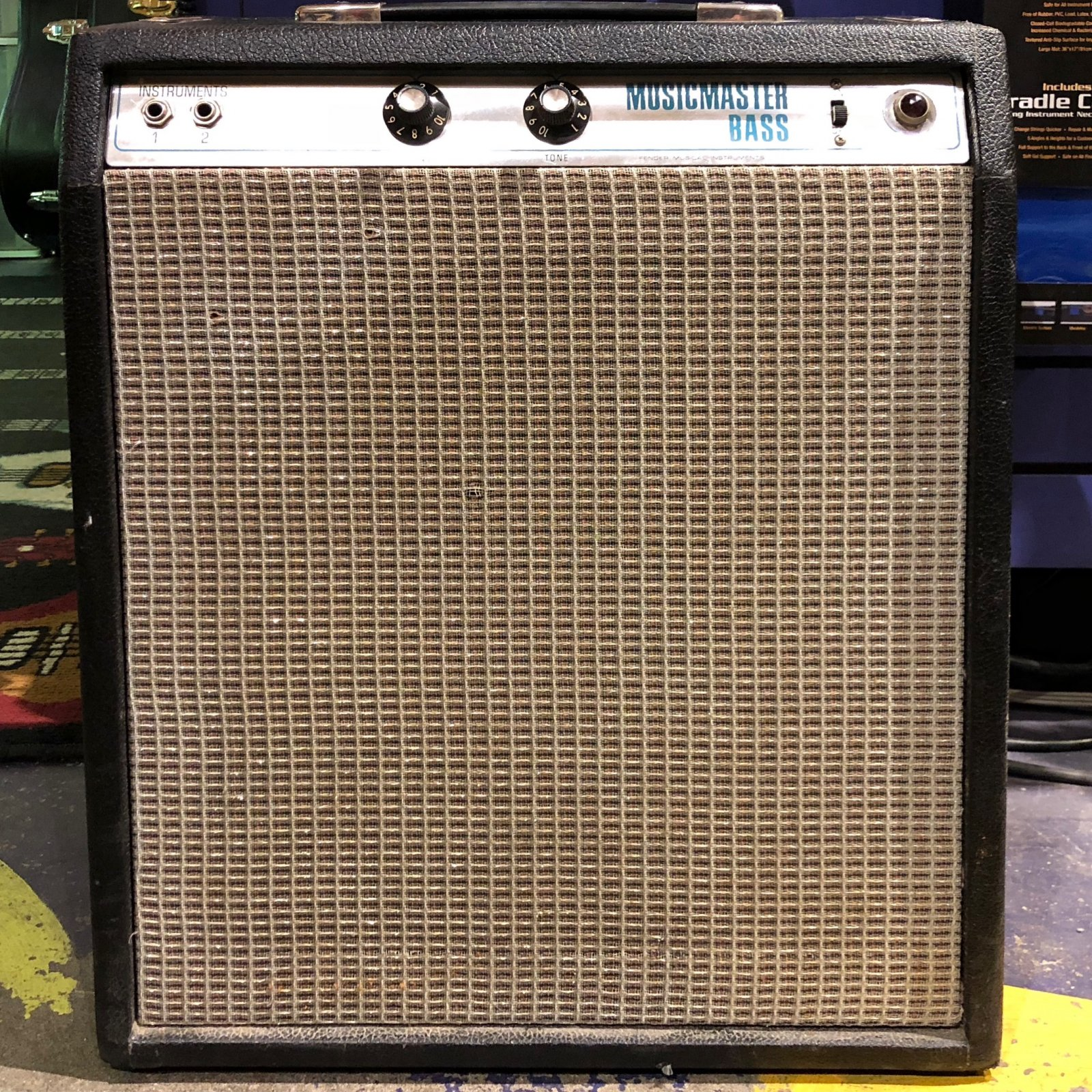 Used Fender 70's Musicmaster Bass Amp