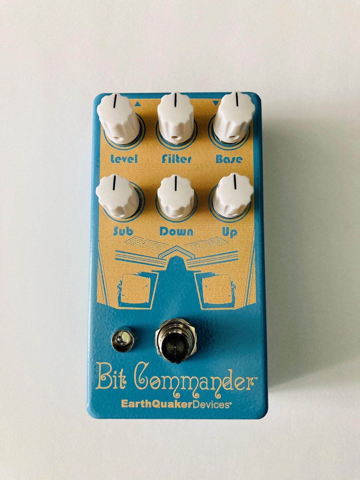 Earthquaker Devices Bit Commander V2 Analog Octave Synth Documentary Edition
