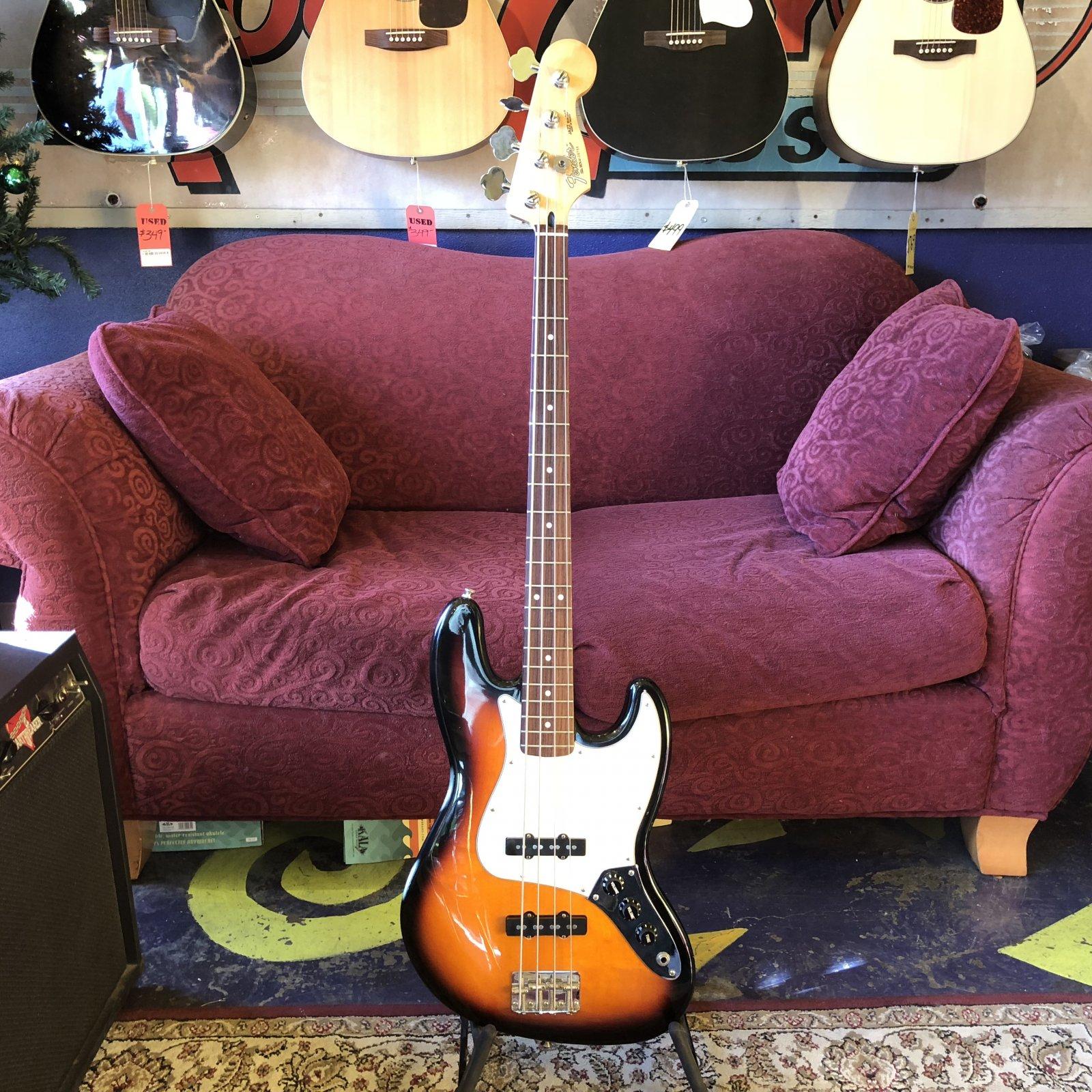 Used Fender Standard Jazz Bass
