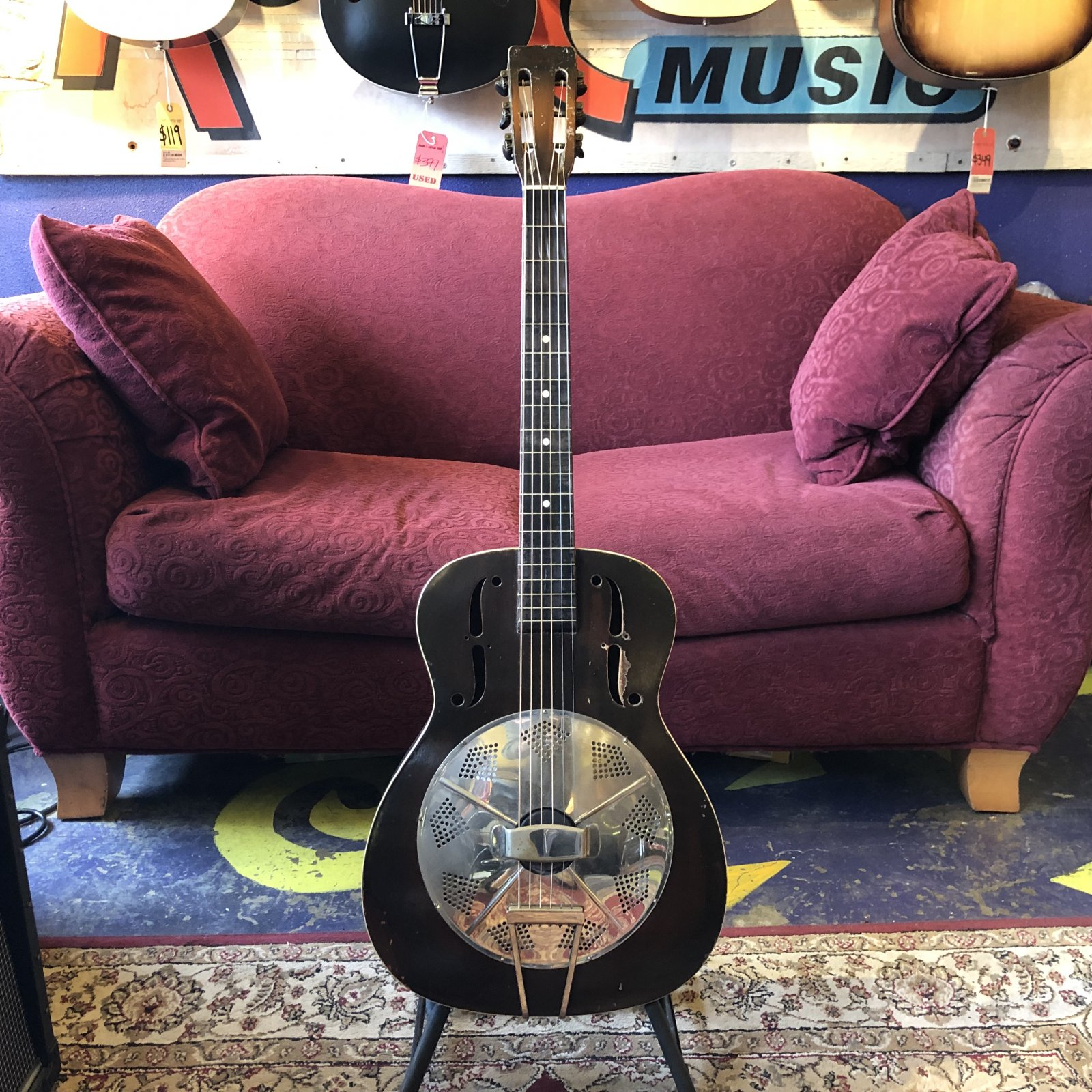 1935 National Trojan Round Neck Resonator