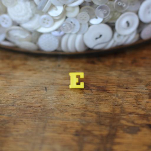 Alphabet Button - E