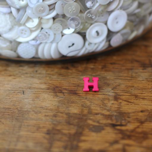 Alphabet Button - H