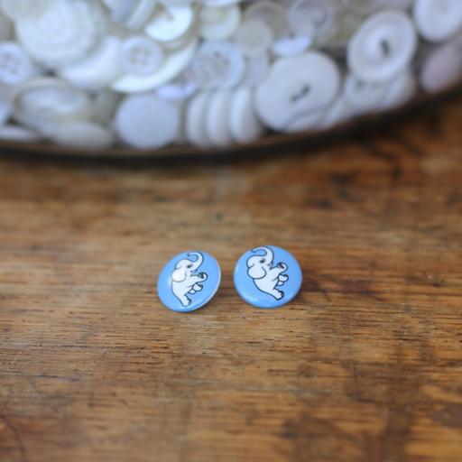 Dumbo Button (Blue)