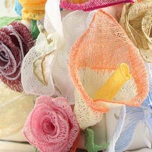 12454CD Freestanding Lace Bouquet